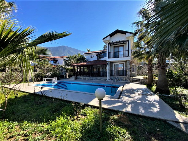 4 Bedroom Detached Dublex Villa wİth Private Pool For Sale