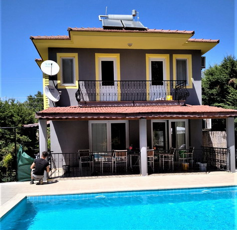 6 Bedroom Detached Triplex Villa with Private Pool  &  Garden For Sale
