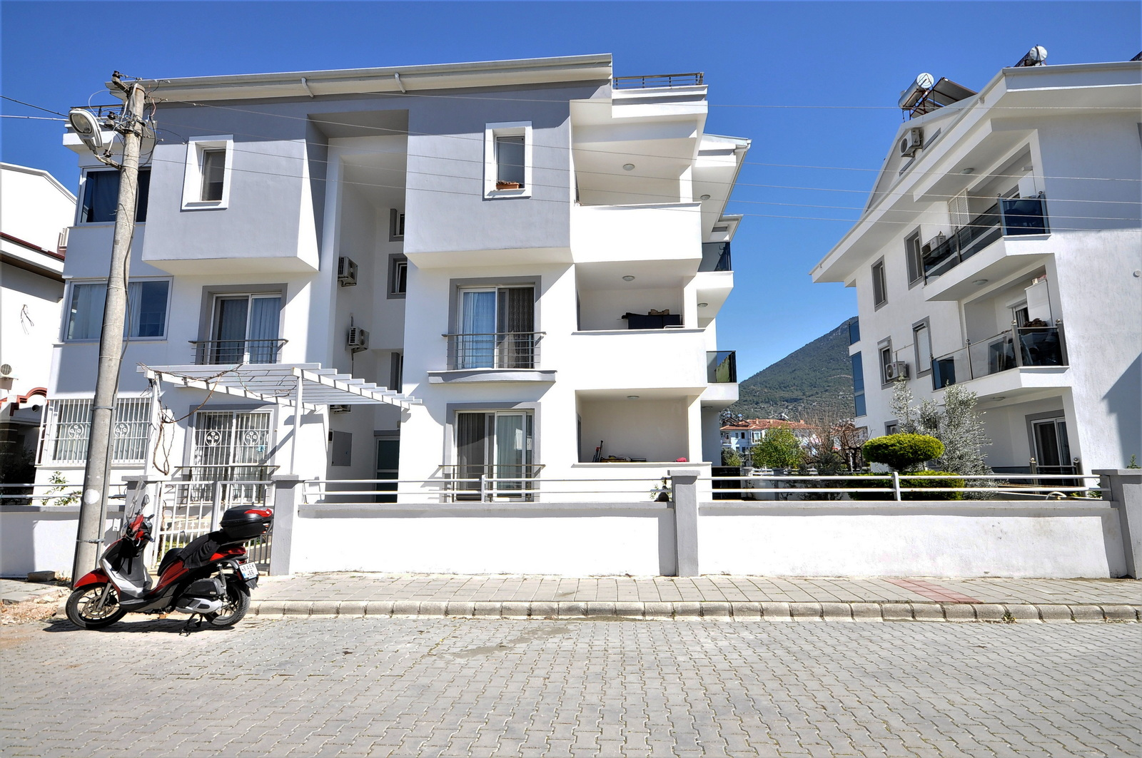 3 Bedroom Ground Floor Apartment For Sale
