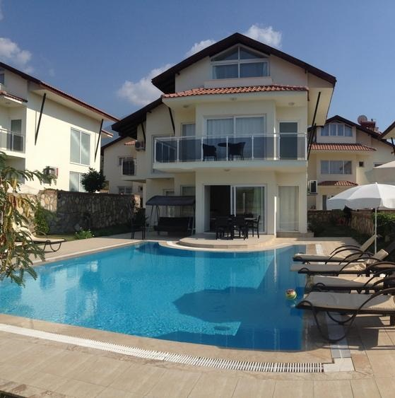 Beautiful Fully Furnished 4 Bedroom Detached Villa with Private Pool & Garden