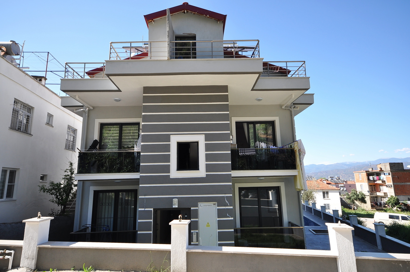 Brand New Modern 2 Bedroom Apartment with Shared Pool