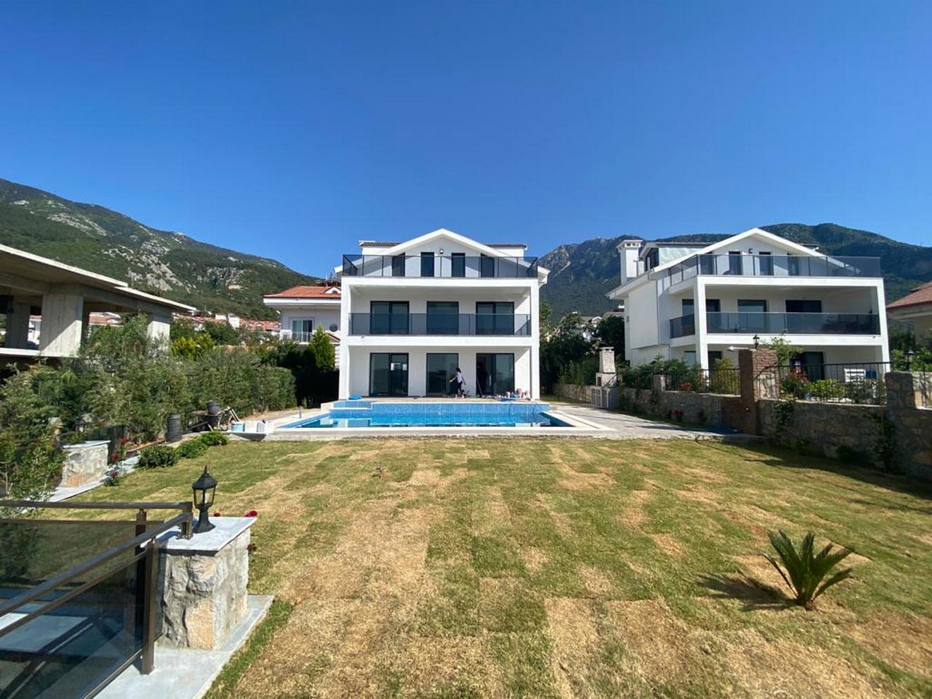 Exquisite Modern and Spacious Luxury 4 Bedroom Villa in Ovacik