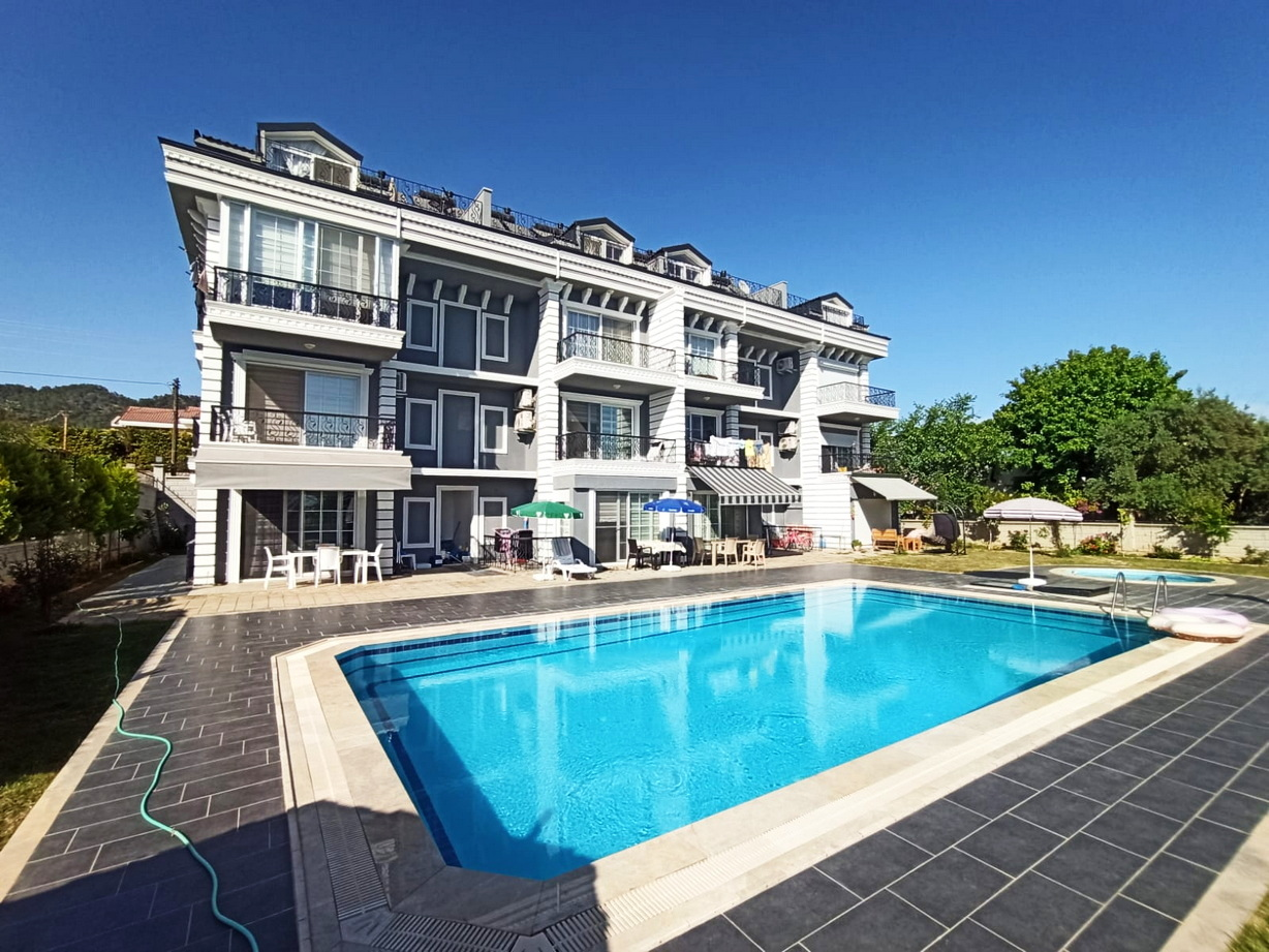 Lovely Brand New 3 Bed Duplex Apartment with Communal Pool & Garden
