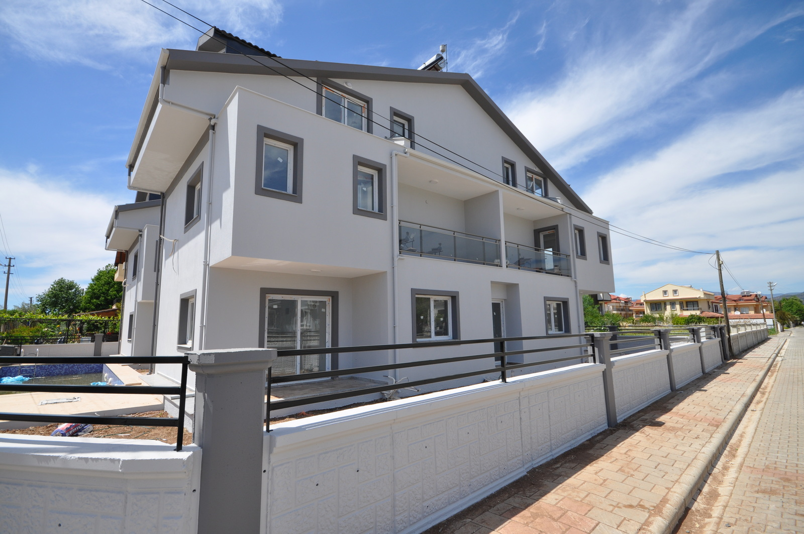 Brand New 2 & 3 Bedroom Apartments in Calis for Sale