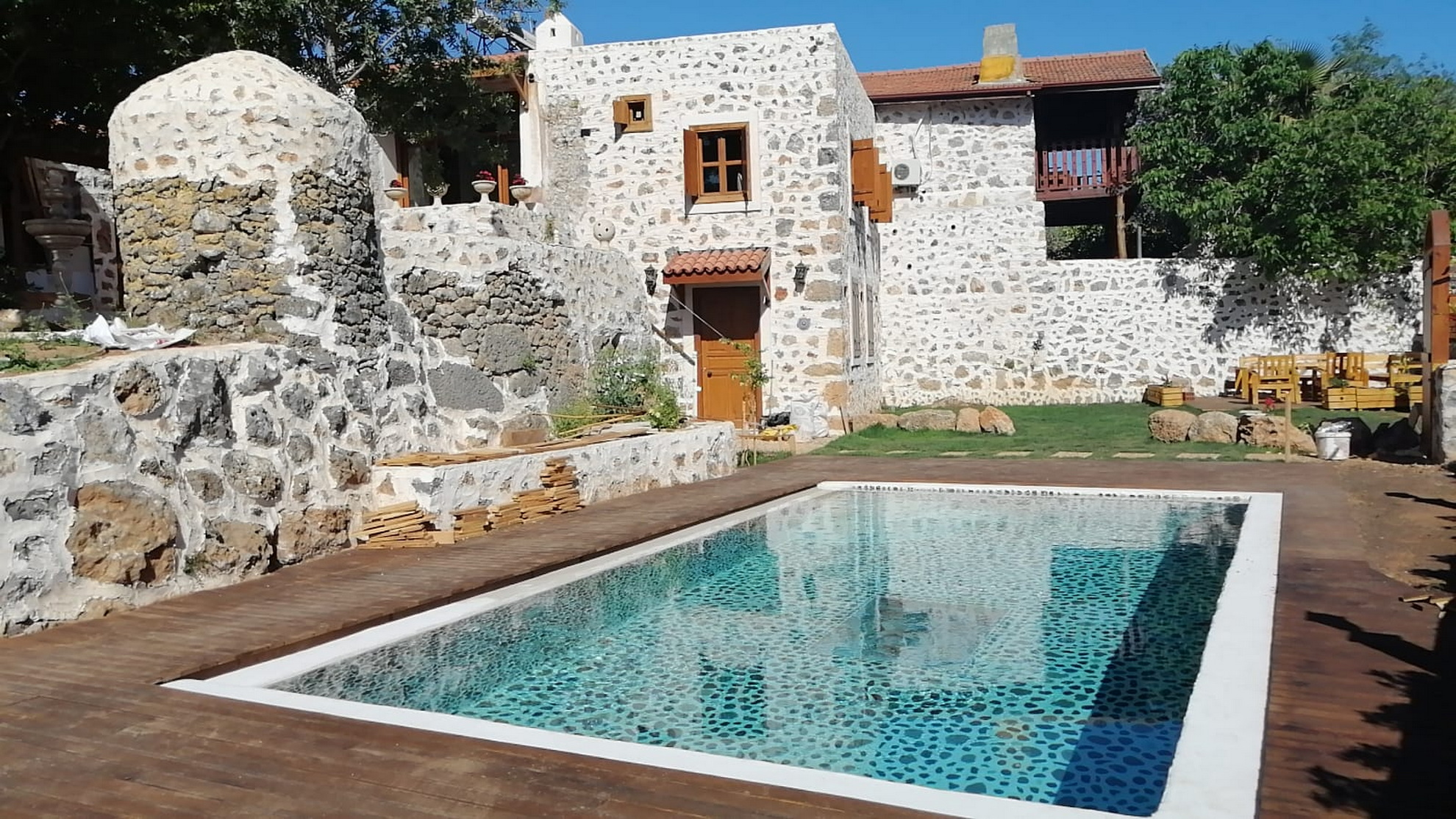 4 Bed Traditional Stone House with Private Pool & Garden in Kayakoy