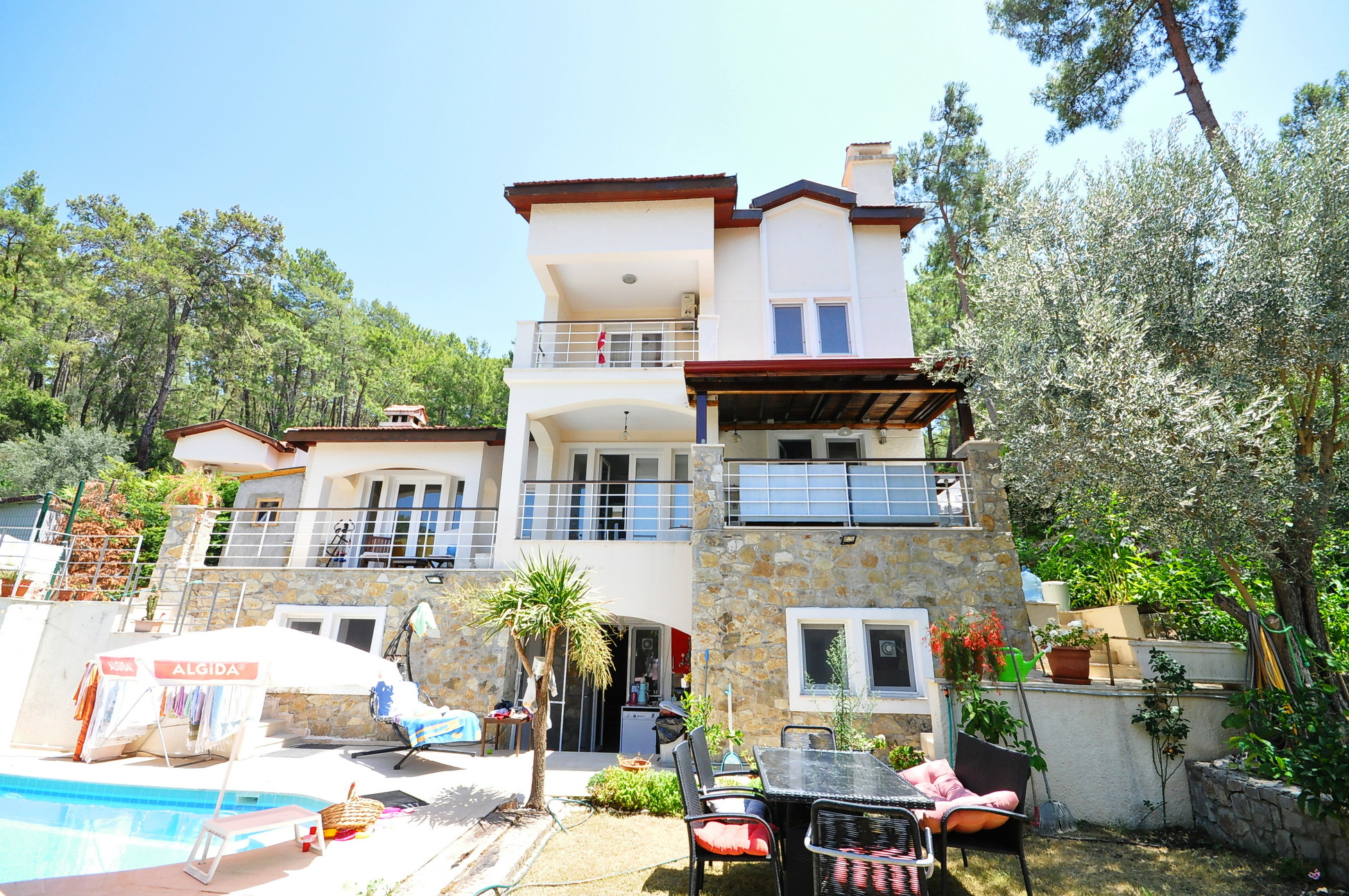 6 Bedroom Spacious Detached Villa in Gocek with Large Private Garden and Pool