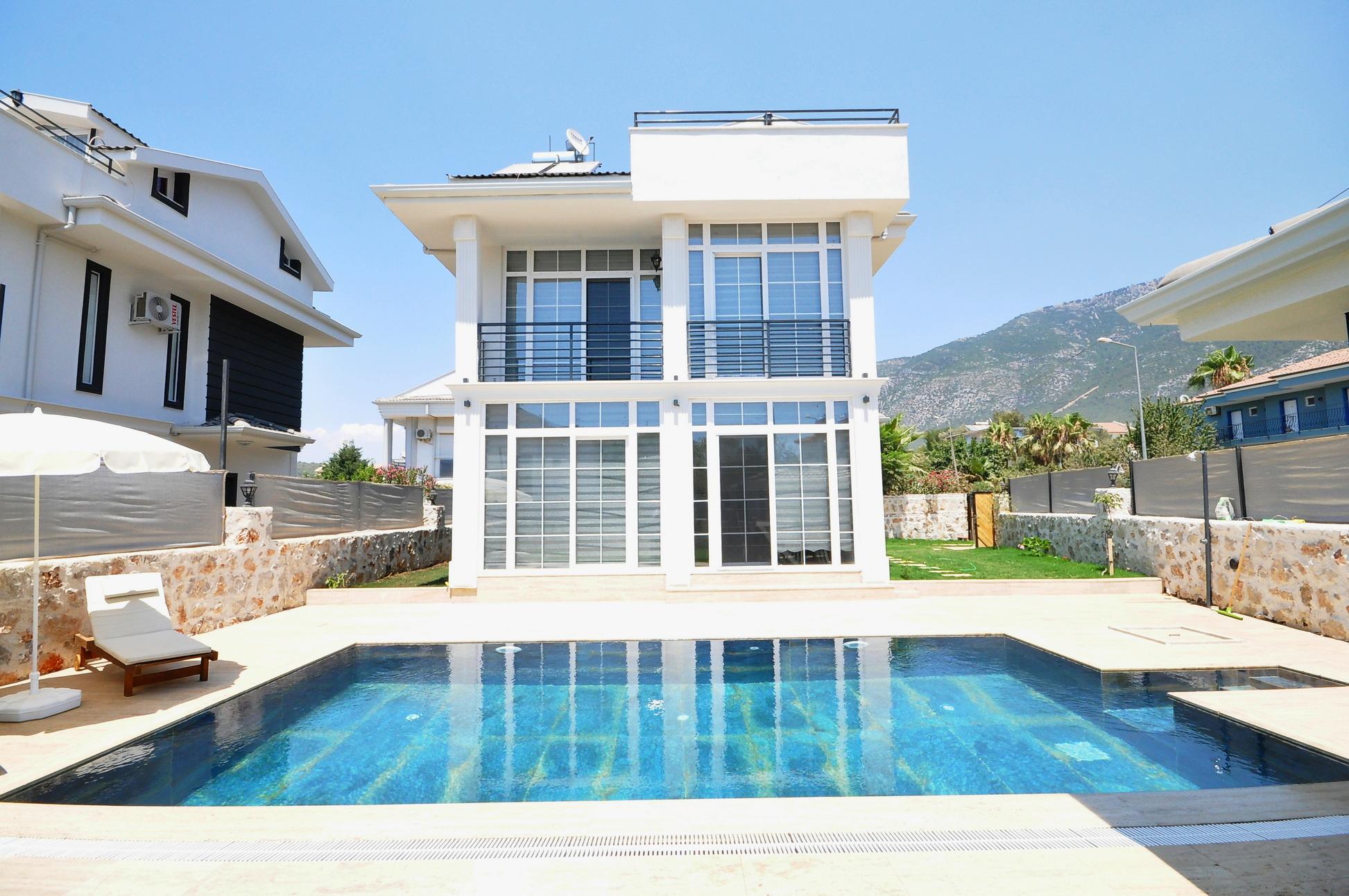 Attractive Brand New 3 Bedroom Triplex Villa in Ovacik