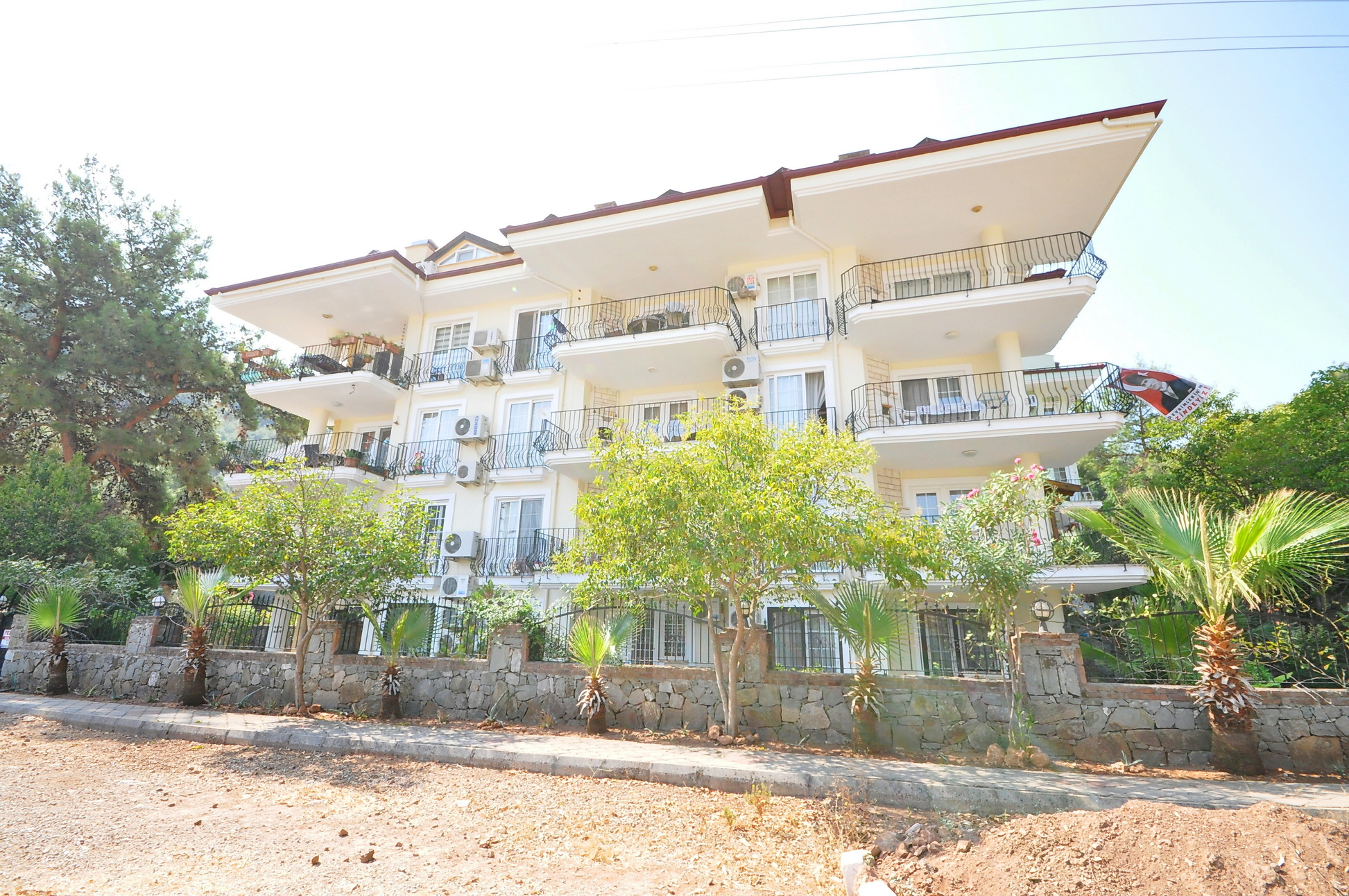 4 Bedroom Duplex Apartment With Swimming Pool