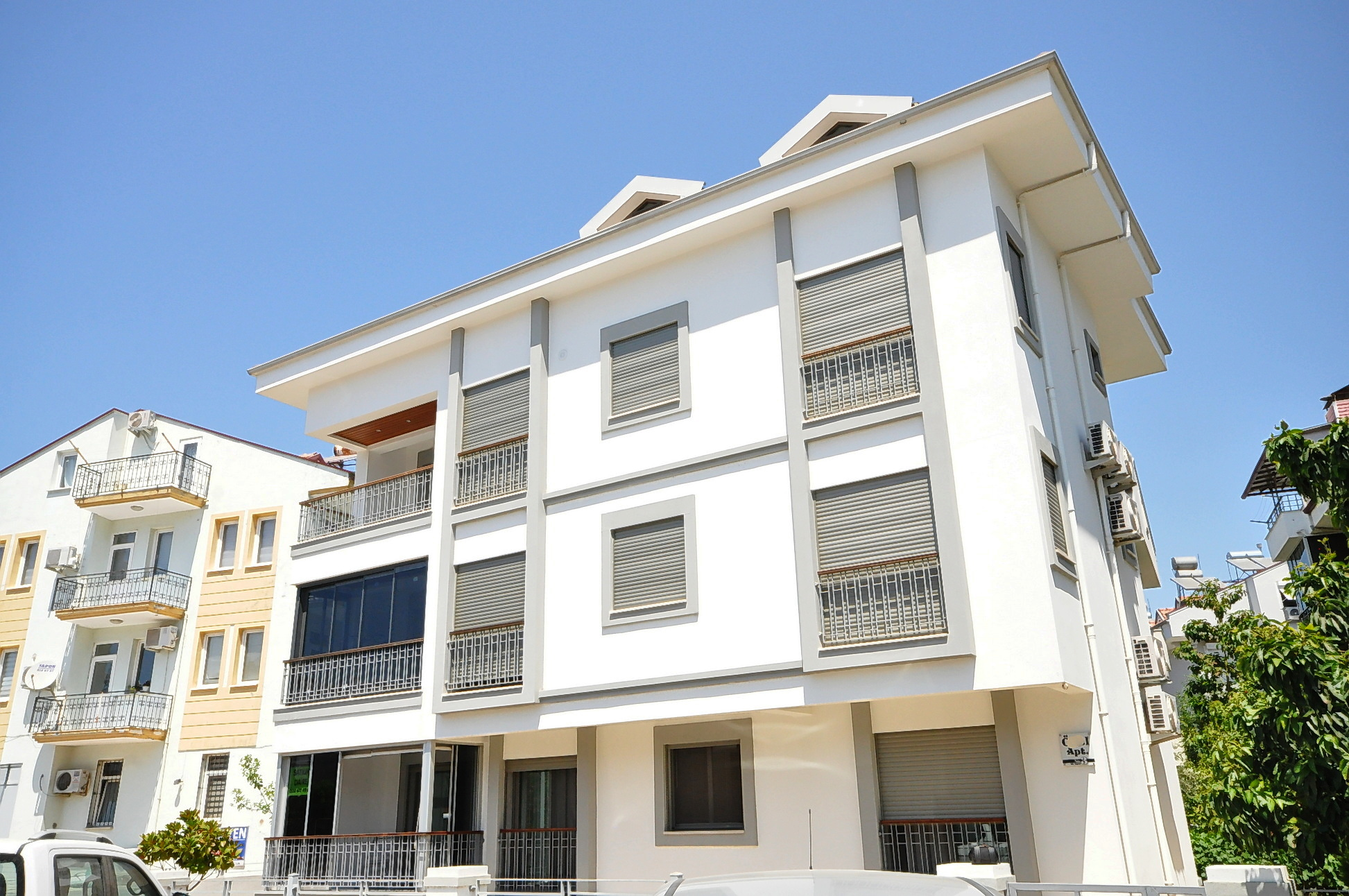 2 Bedroom Beautiful Apartment For Sale
