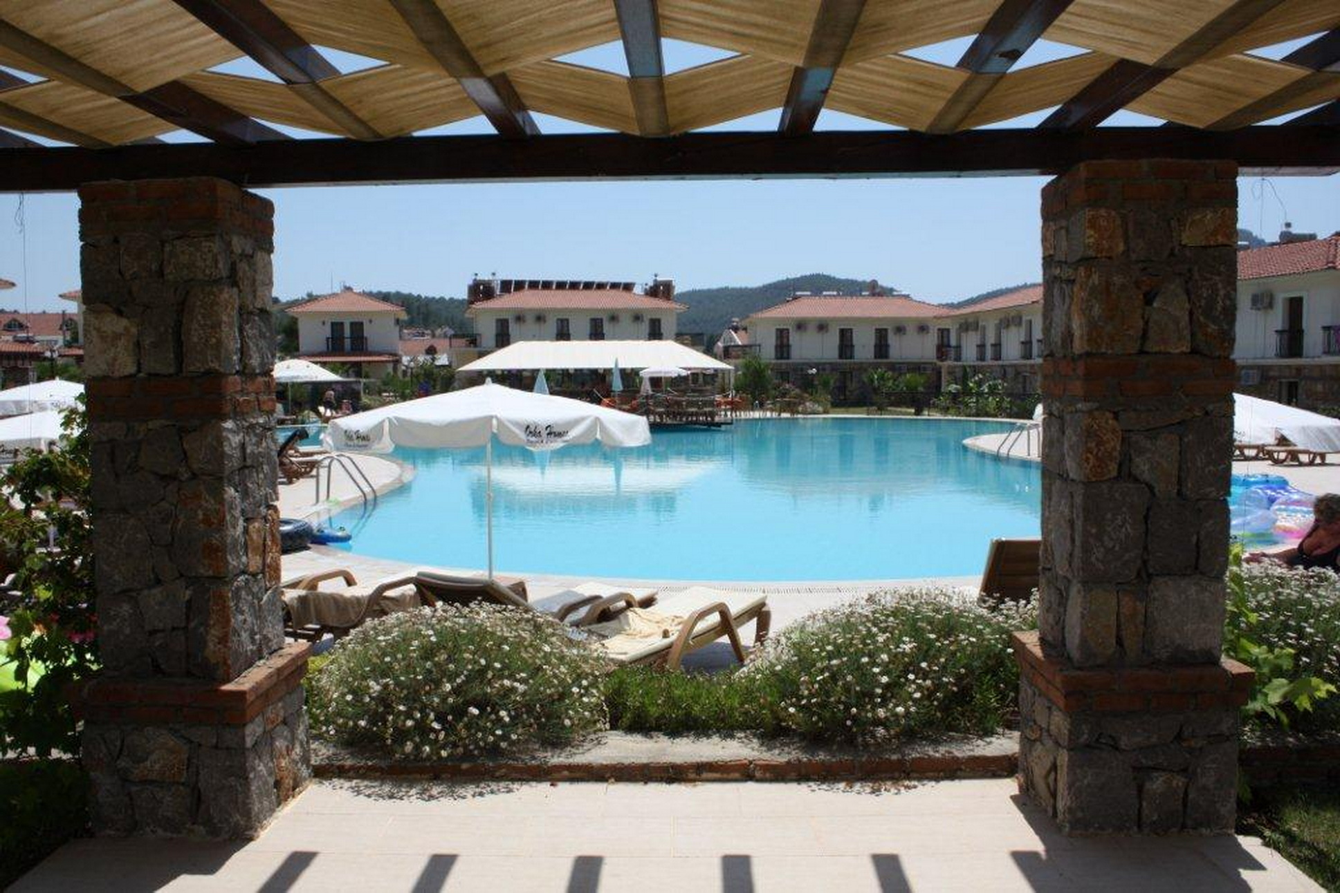Fully Furnished Two Bedroom Apartment with Communal Pool in Hisaronu
