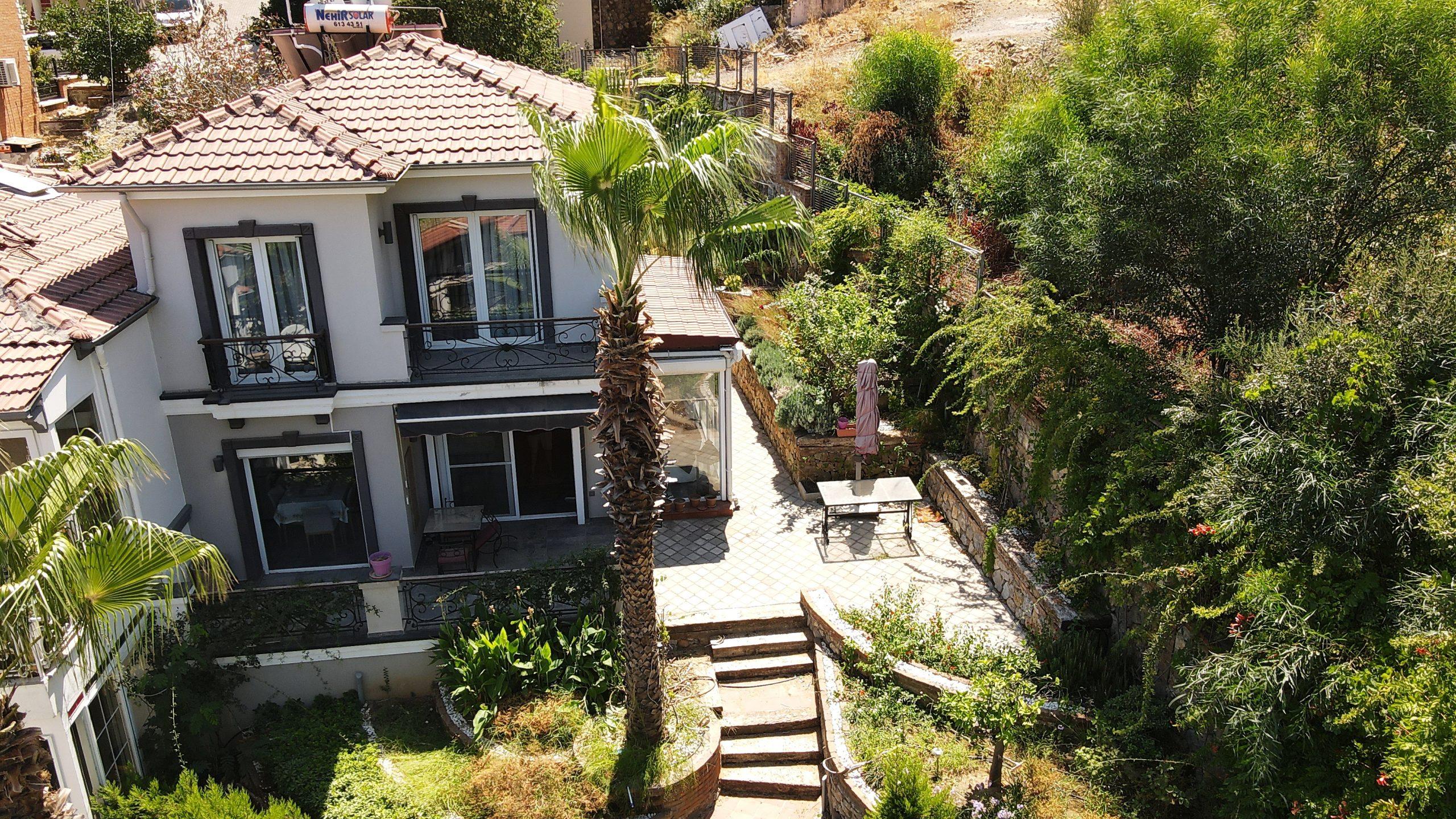 Fethiye Karagözlerde Deniz Manzaralı Eşyalı 3 Yatak Odalı Satılık Villa
