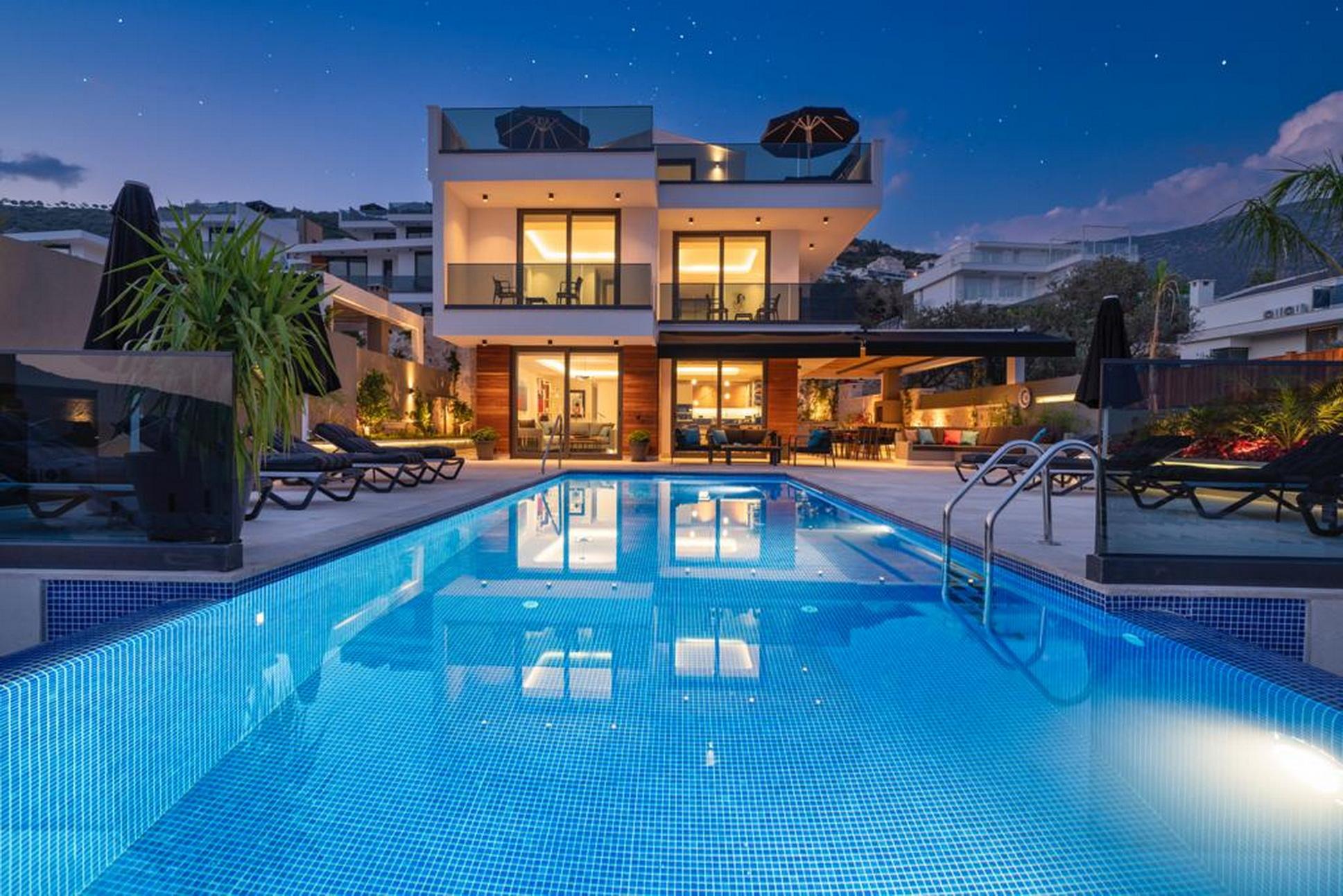 Luxury Spacious 4 Bed Kalkan Villa with Infinity Pool