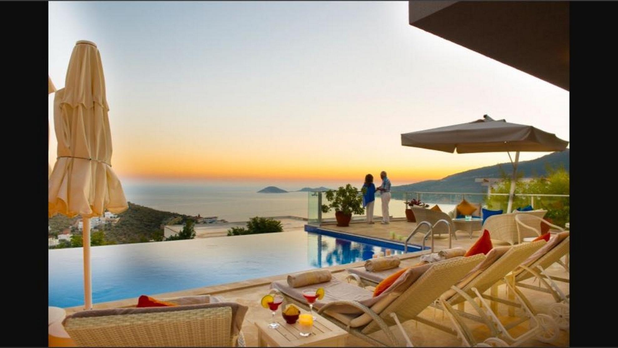 SOLD!!!Luxury 2 Bedroom Apartment with Infinity Pool in Ortaalan Kalkan