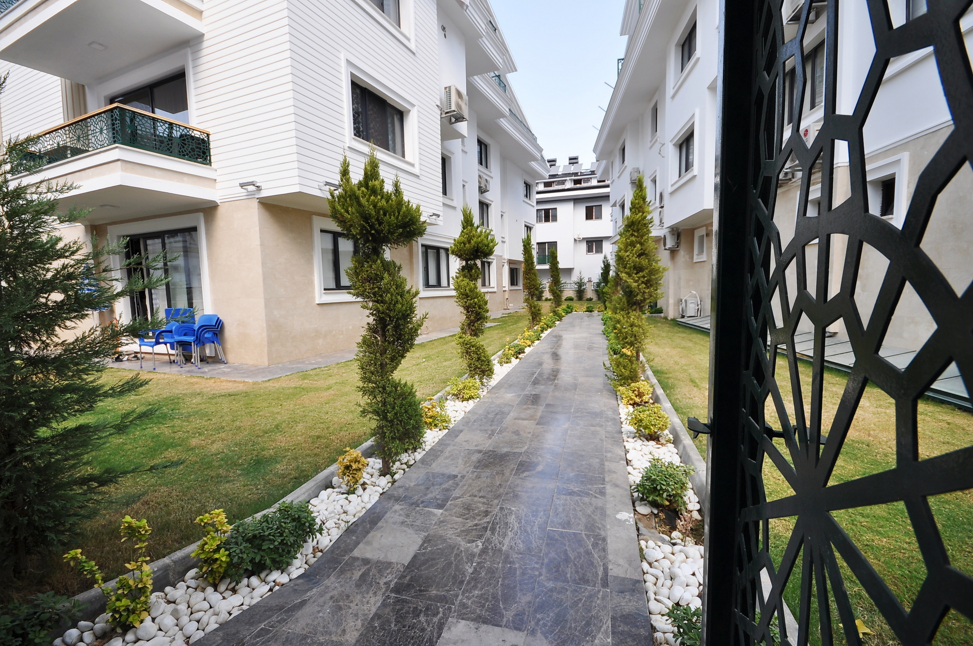 Centrally Location 4 Bedroom Apartments For Sale