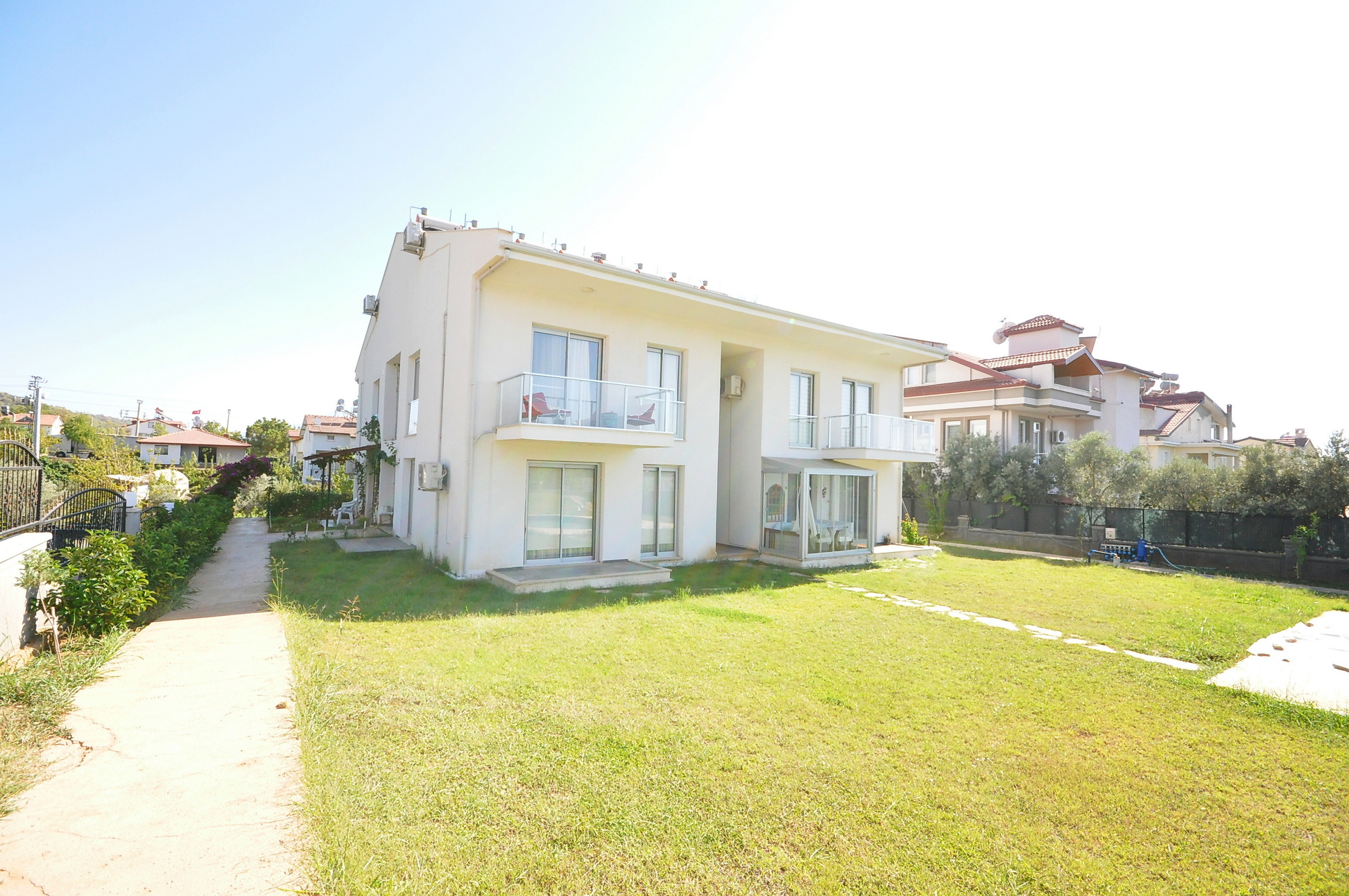 Beautifully First Floor Duplex Apartment with Communal Pool And Large Garden